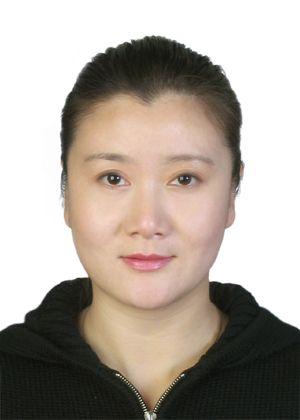 """北京学生活动管理中心 易娟 易娟毕业院校:北京舞蹈学院中国民间舞系舞蹈教育专业学历:大学本科职称:中教二级通过舞蹈的兴趣教育、愉悦教育,培养学生健康的心理和优美的体魄,使他们成为高素质、全面发展的、适应社会竞争和发展的有用人才。教学内容丰富,融合了芭蕾、中国舞、民族舞等多种风格的舞蹈种类,使之具有专业的科学性、系统性及趣味性,寓教于乐。经过13年的教学时间,其中有些学生已进入专业舞蹈院校学习,有些以舞蹈特长考入各个中学的舞蹈团。个人所获奖项:2003年第七届""""东北、华北、西北""""地区省会城市少年宫文艺汇演荣获表演奖2004年第二届""""向阳花""""全国少儿民族舞蹈展演荣获编导金奖、表演金奖两个奖项2005年第八届""""东北、华北、西北""""地区省会城市少年宫文艺汇演荣获辅导二等奖、创作二等奖两个奖项2007年第十届北京市学生艺术节(校外组)荣获一等奖"""