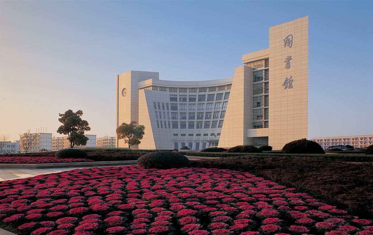 上海大学-学校图片